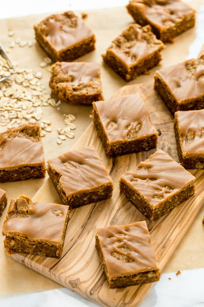Peanut Butter Oat Blondies with Peanut Butter Drizzle | Vegan and ...