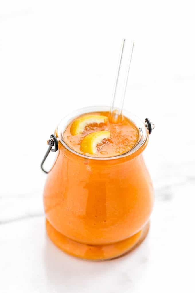 Uplifting Carrot, Mango & Ginger Smoothie - Healthy Plant-Based Vegan ...