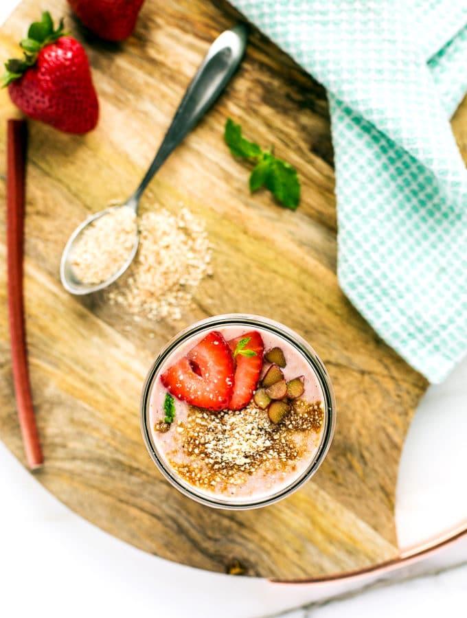 Strawberry-Rhubarb Pie à la Mode Smoothie