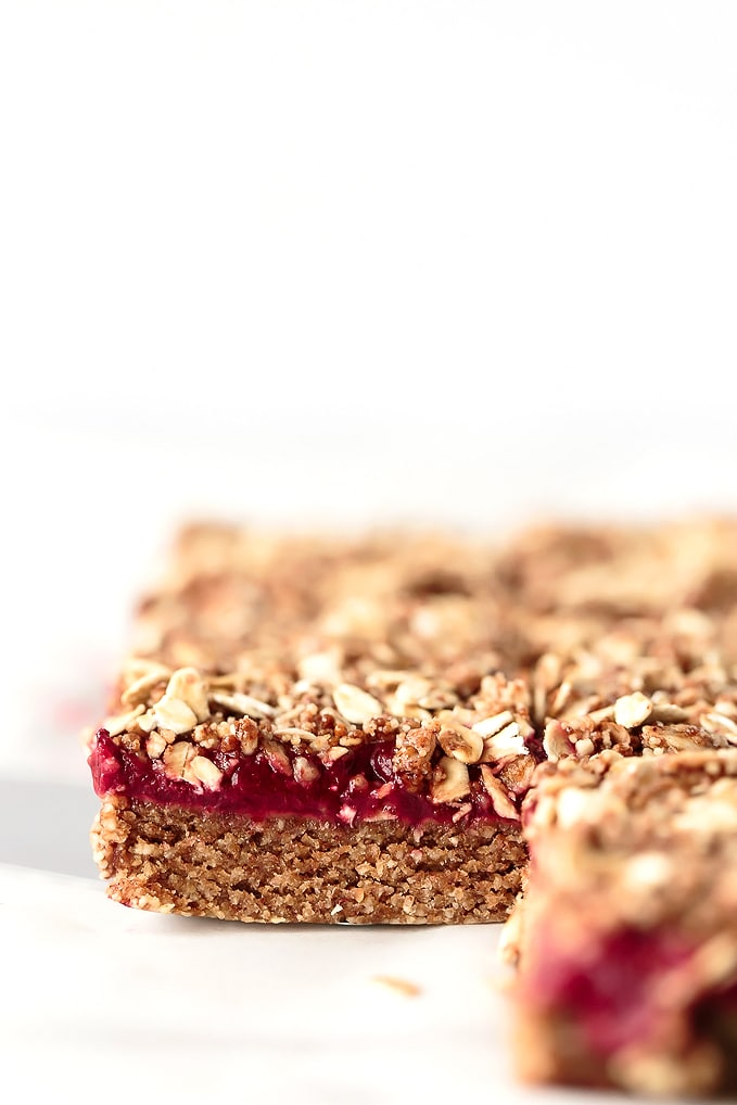 No-Bake Almond Butter & Strawberry Jam Breakfast Bars | Vegan, Gluten-Free, Refined-Sugar-Free