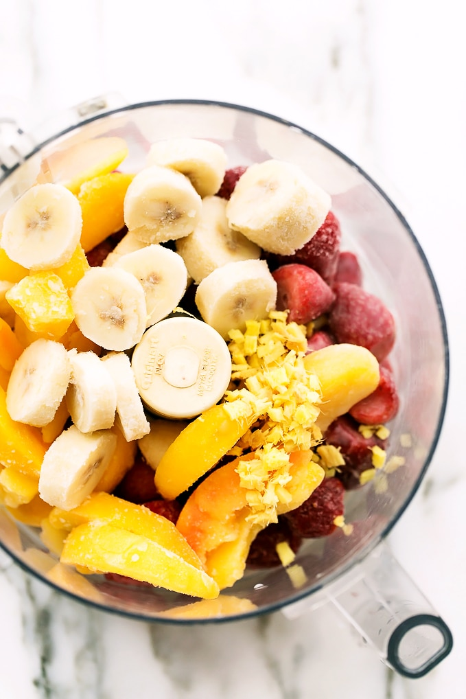 Cosmic Strawberry-Ginger-Peach Bliss Bowl   An energy-boosting, mood-enhancing smoothie bowl!