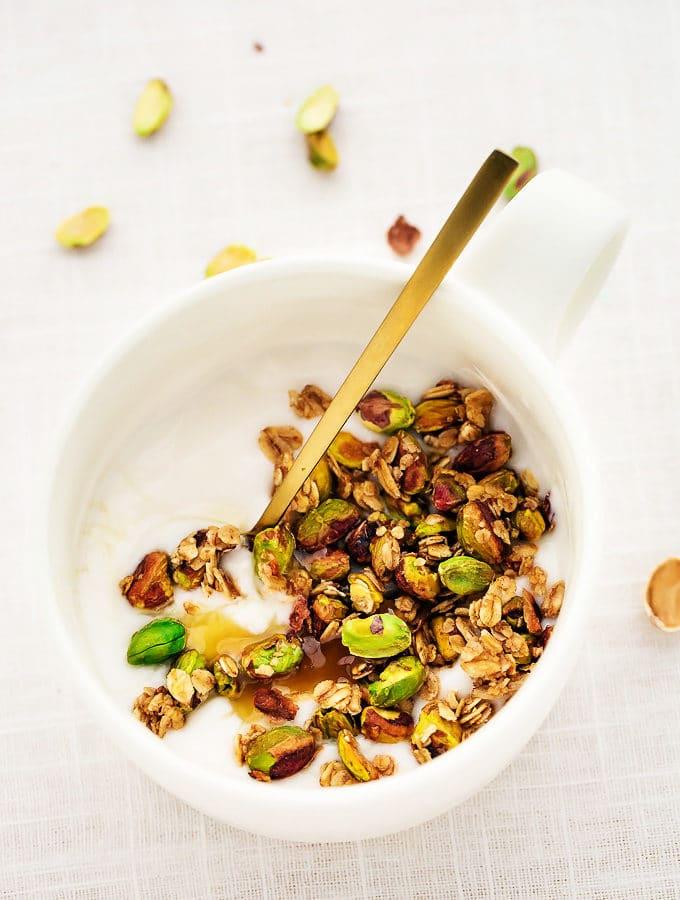 10-Minute Easy Vegan Pistachio Granola