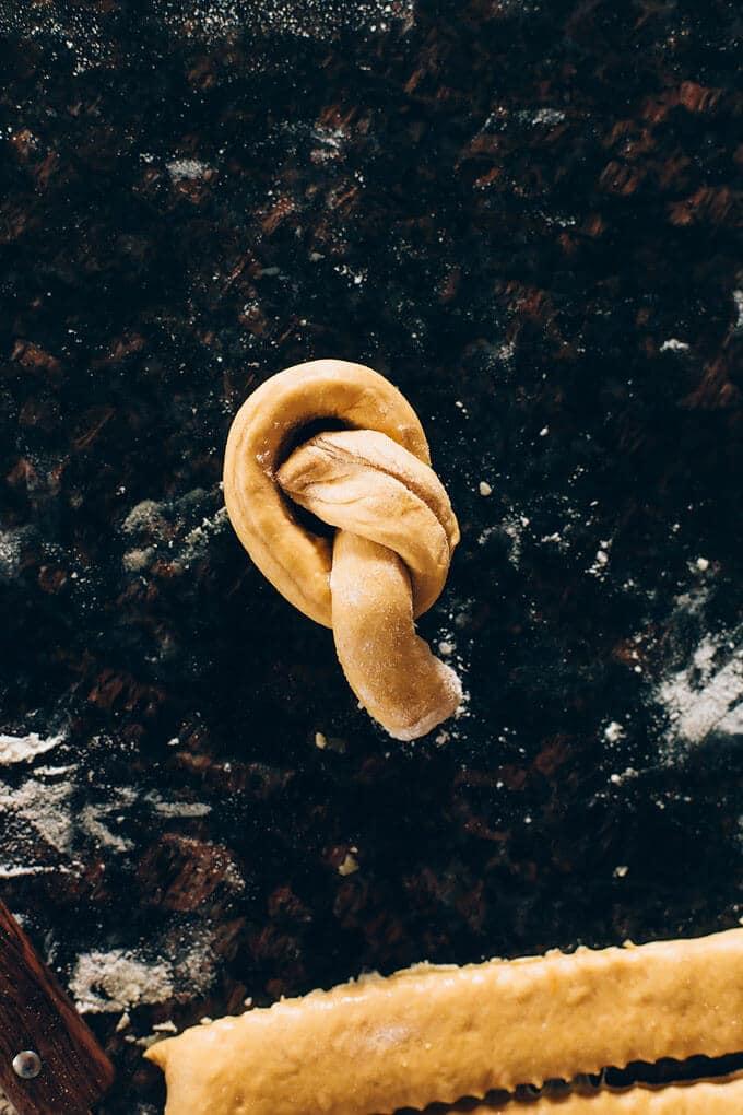 Vegan Sweet Potato Spelt Garlic Knots