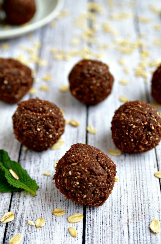 Thin Mint Energy Balls