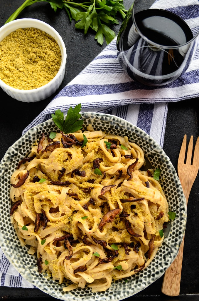 Creamy Carbonara Pasta with Shiitake Bacon | vegan and gluten-free
