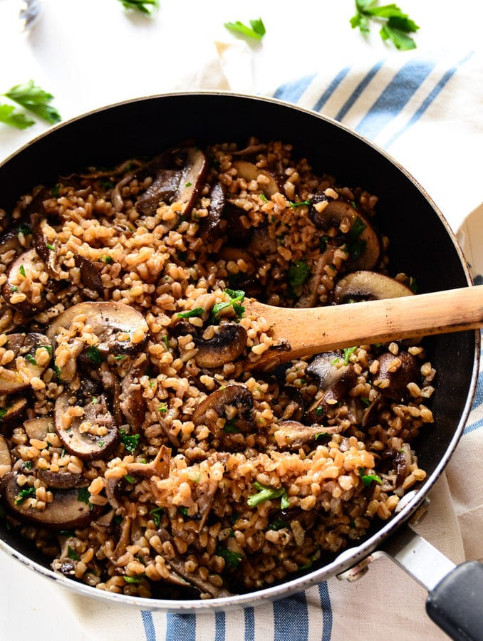 No-Fuss Garlicky Farro with Sautéed Mushrooms (vegan)