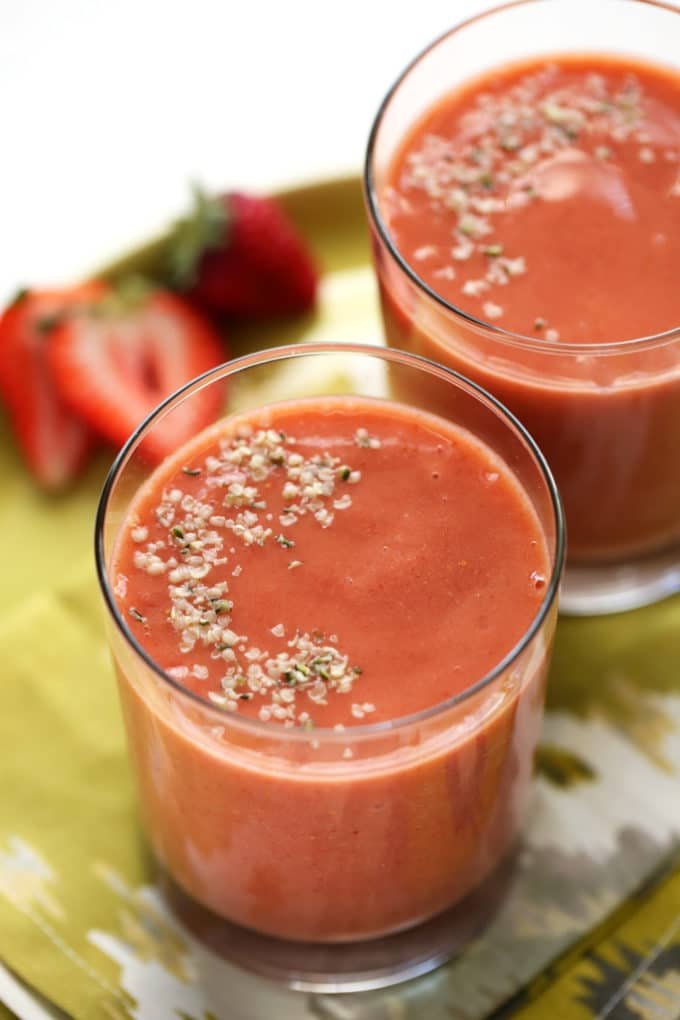 Strawberry, Mango & Baobab Smoothie | This plant-based smoothie is packed with vitamin c!