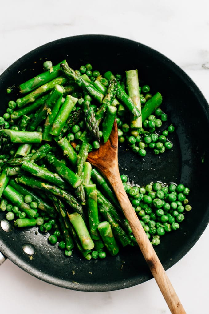 Spring Risotto with Asparagus, Peas + Roasted Garlic Cashew Cream