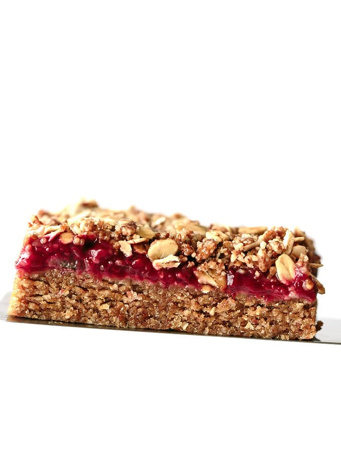 No-Bake Almond Butter + Strawberry Jam Breakfast Bars