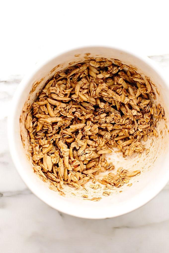 10-Minute Vegan Cinnamon Almond Granola