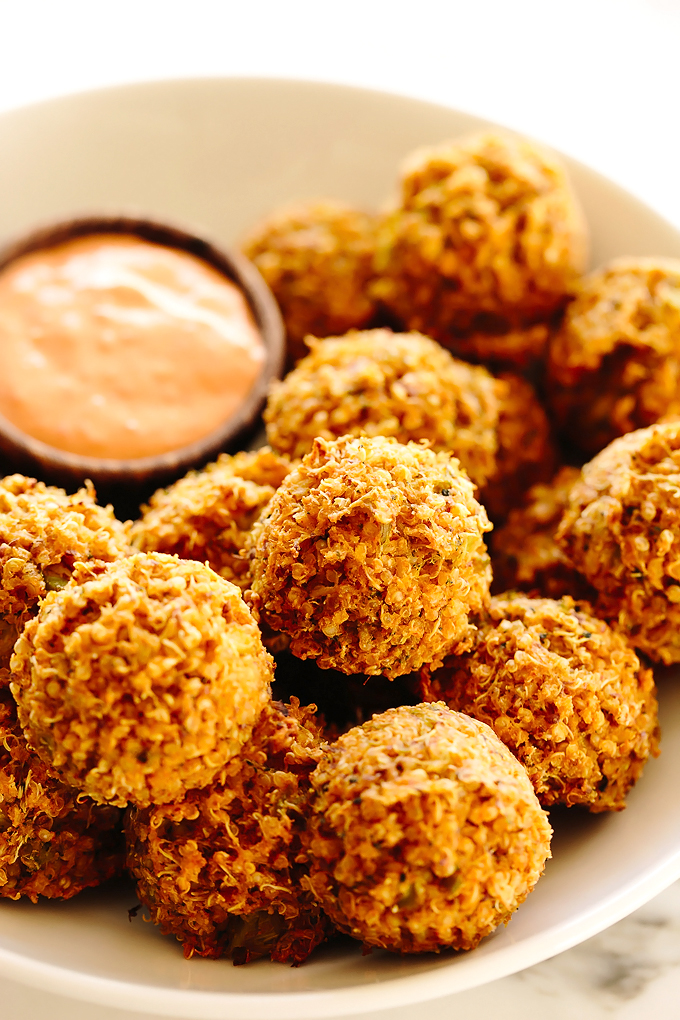 Vegan Cheesy Broccoli Quinoa Bites with Sriracha Aioli