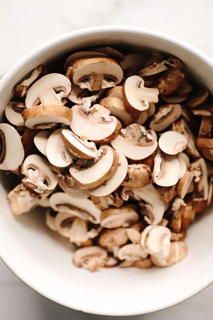 Vegan Creamy Cauliflower Mushroom Soup